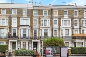 3 bed flat in Kensington , Holland Road, W148BE