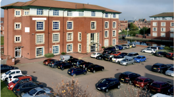 12.7% yield Multi-Tenant office Investment